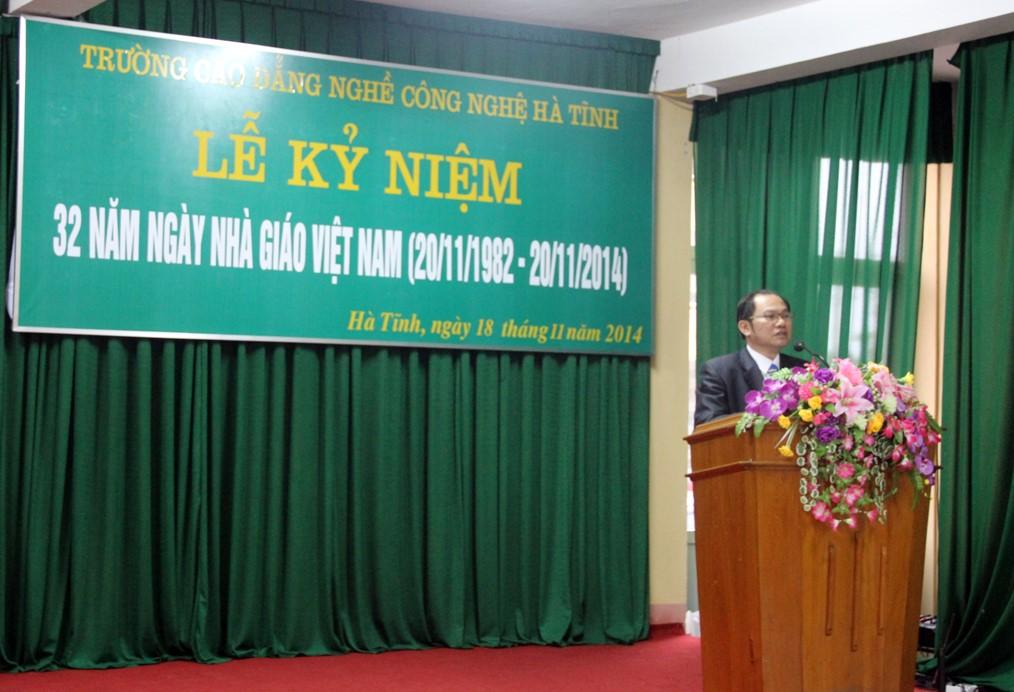 Meeting kỷ niệm 32 năm Ngày nhà giáo Việt Nam